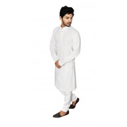 Buy premium khadi white kurta with smart Kolhapuri chappal