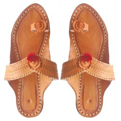 Buy classic pair of kolhapuri chappal for women.