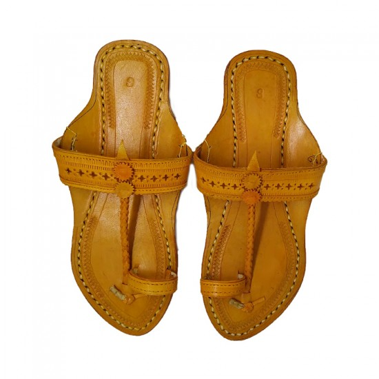 Buy beautifully handcrafted traditional kolhapuri chappal for women.